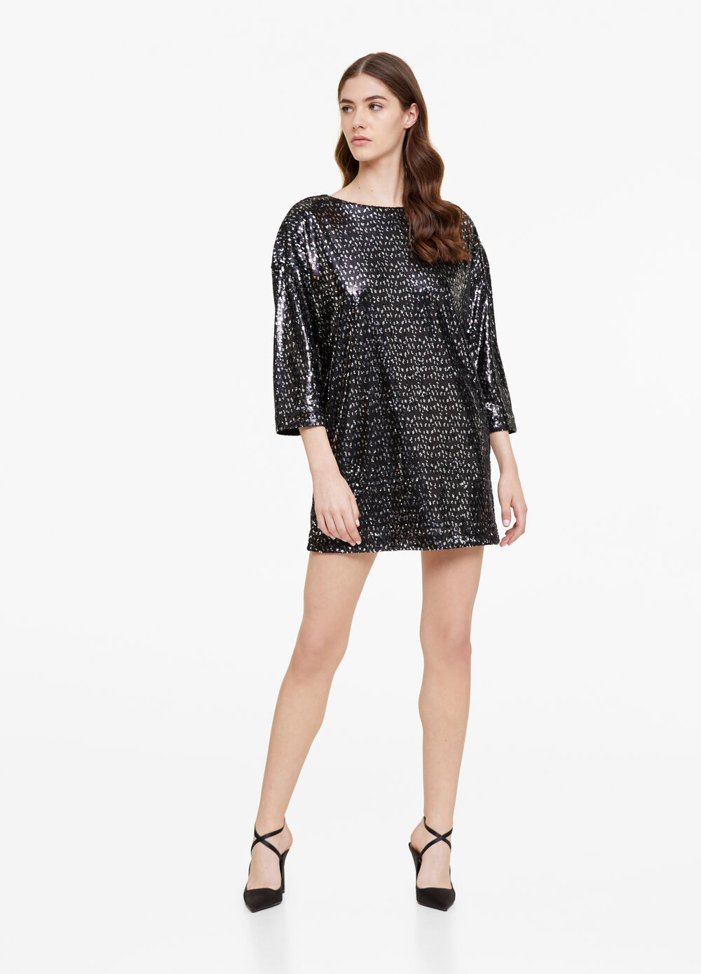 Sequinned dress with three-quarter sleeves