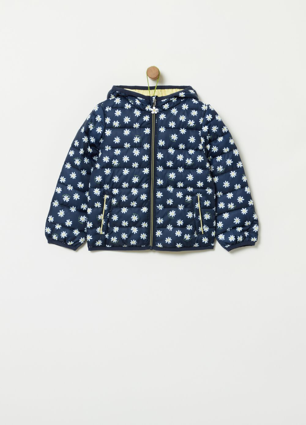 Ultra light quilted jacket with daisies