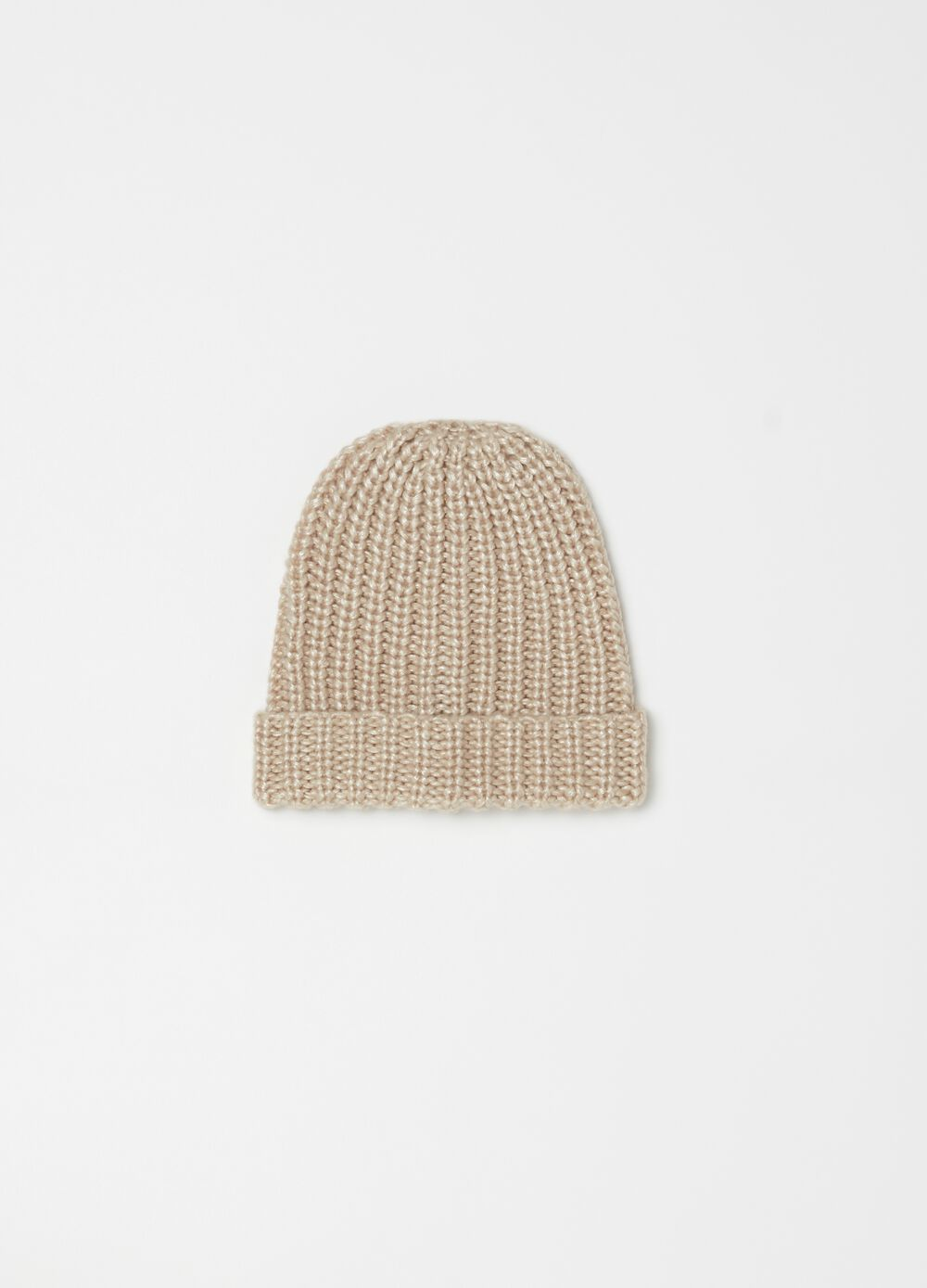 Knitted hat with fold