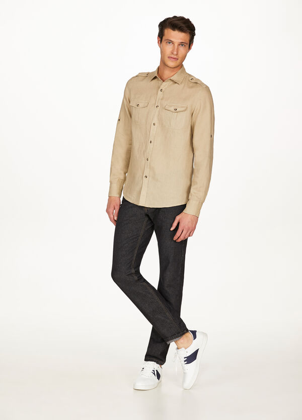 Casual linen shirt with pockets