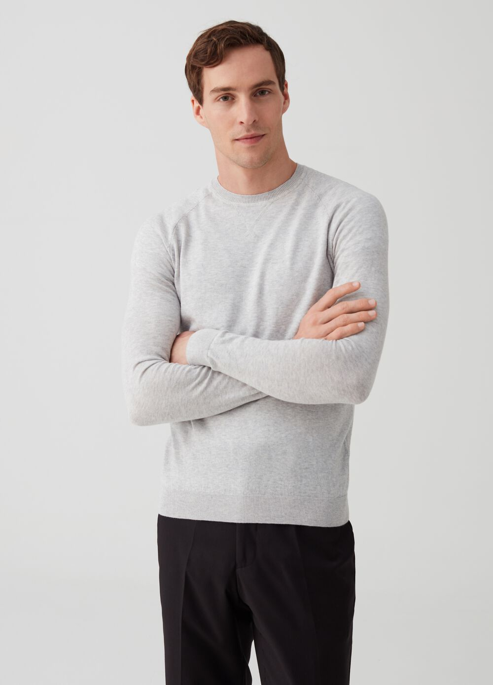 100% cotton pullover with neck detailing