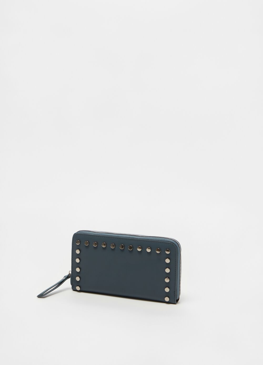 Wallet with small studs