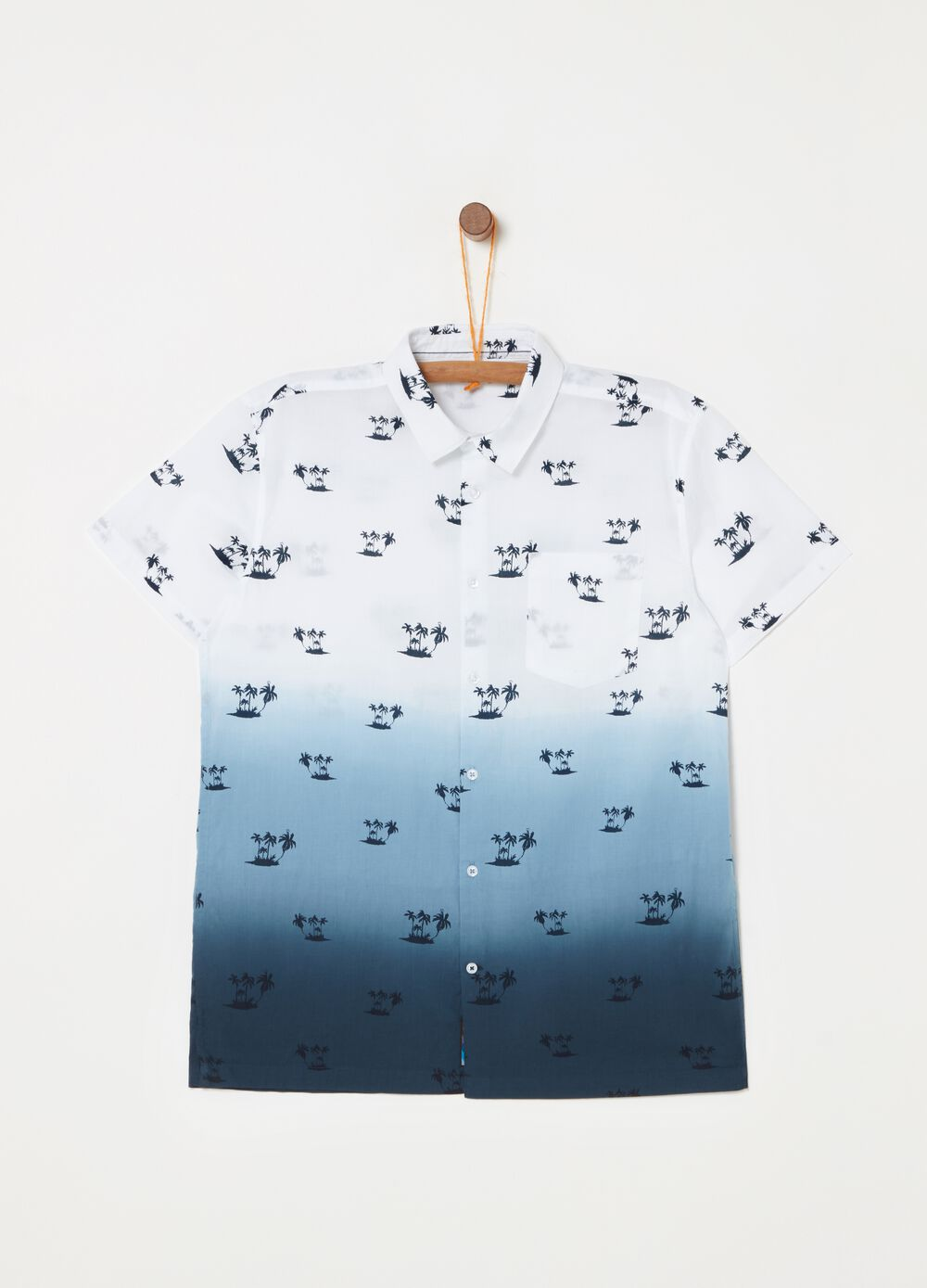 Short-sleeved shirt with palm pattern