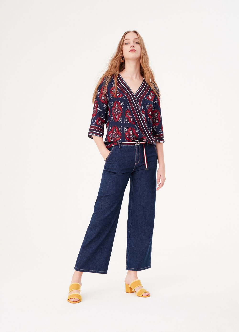 Blouse with kimono sleeves and print