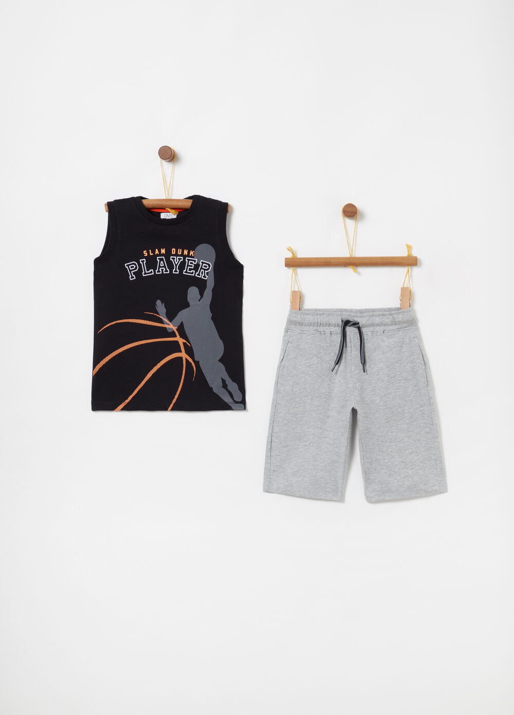 T-shirt and shorts jogging set with print and drawstring
