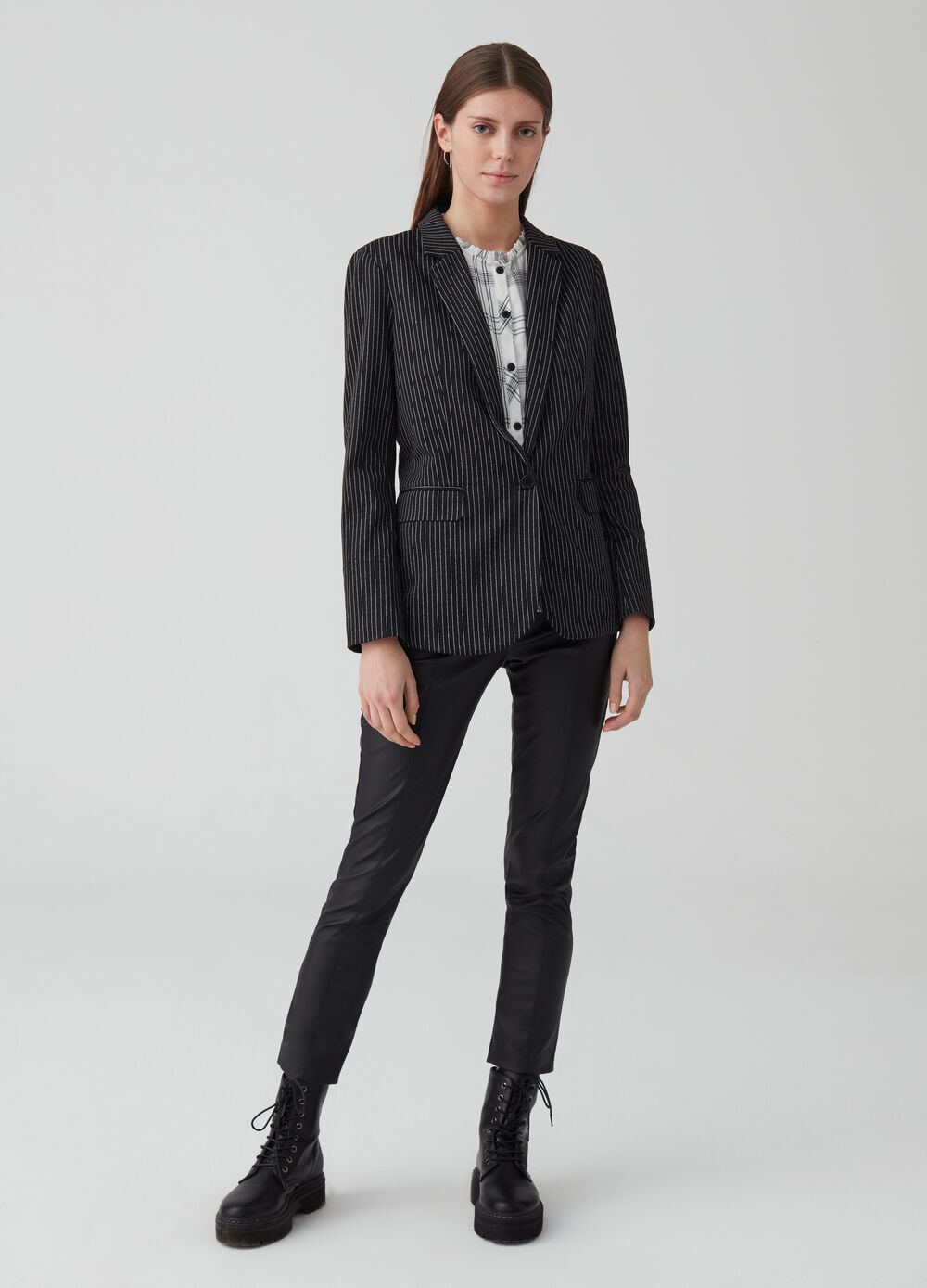 Single-button blazer with striped pattern