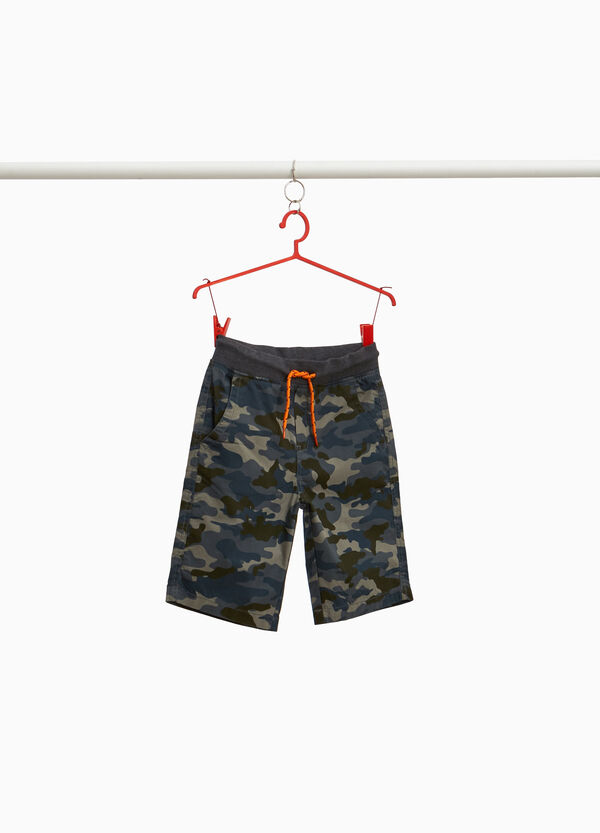 100% cotton Bermuda shorts with camouflage pattern