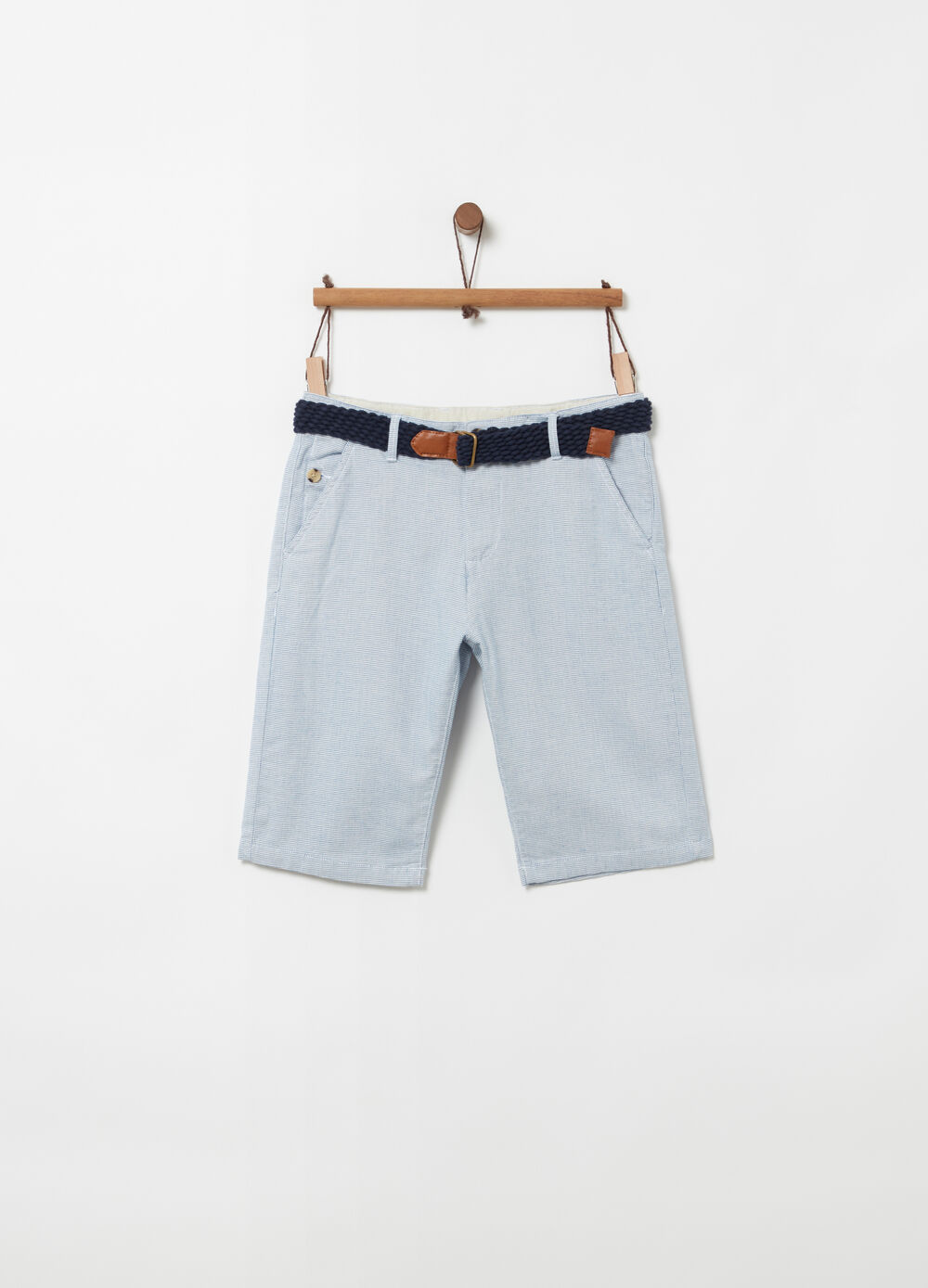 Textured cotton Bermuda chinos with belt
