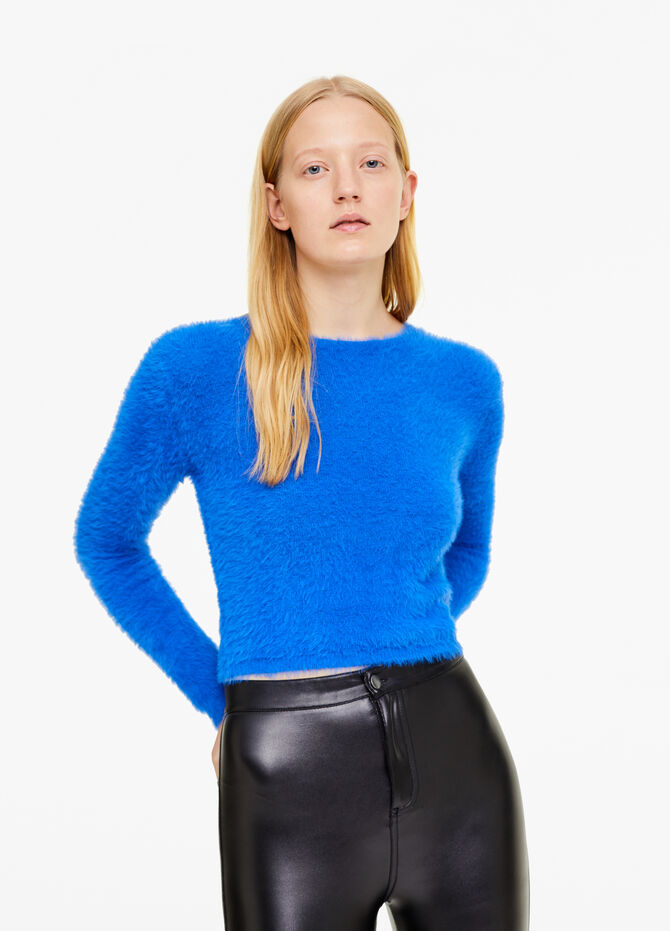 Faux fur pullover with round neck