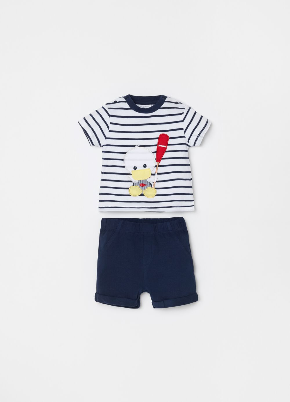 T-shirt and short trousers set with embroidery