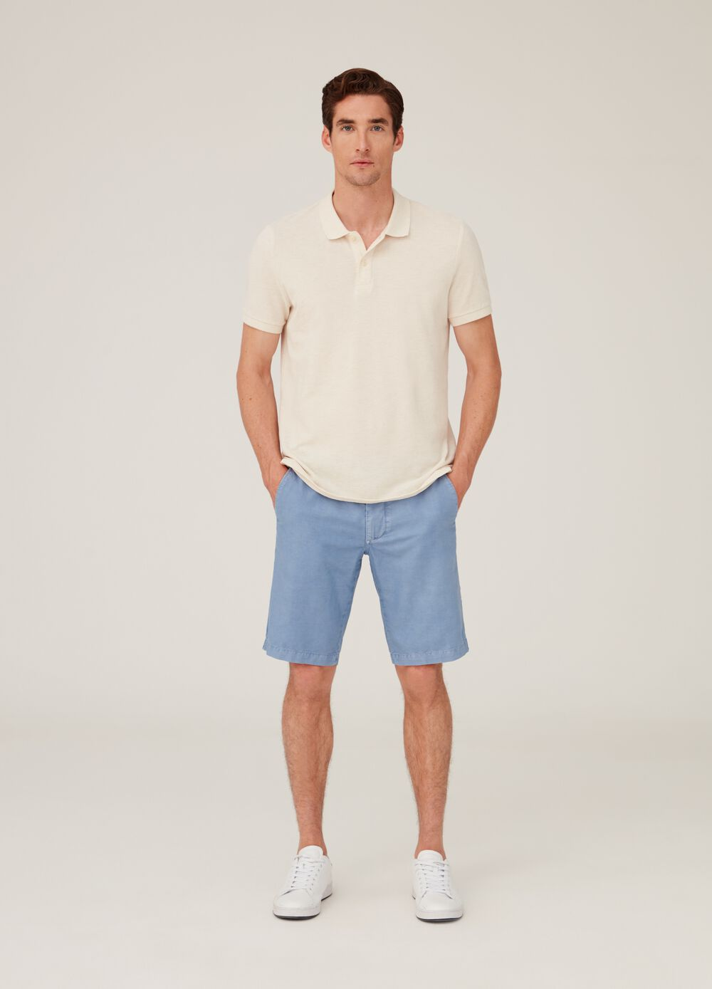 Cotton and linen chino shorts with pockets