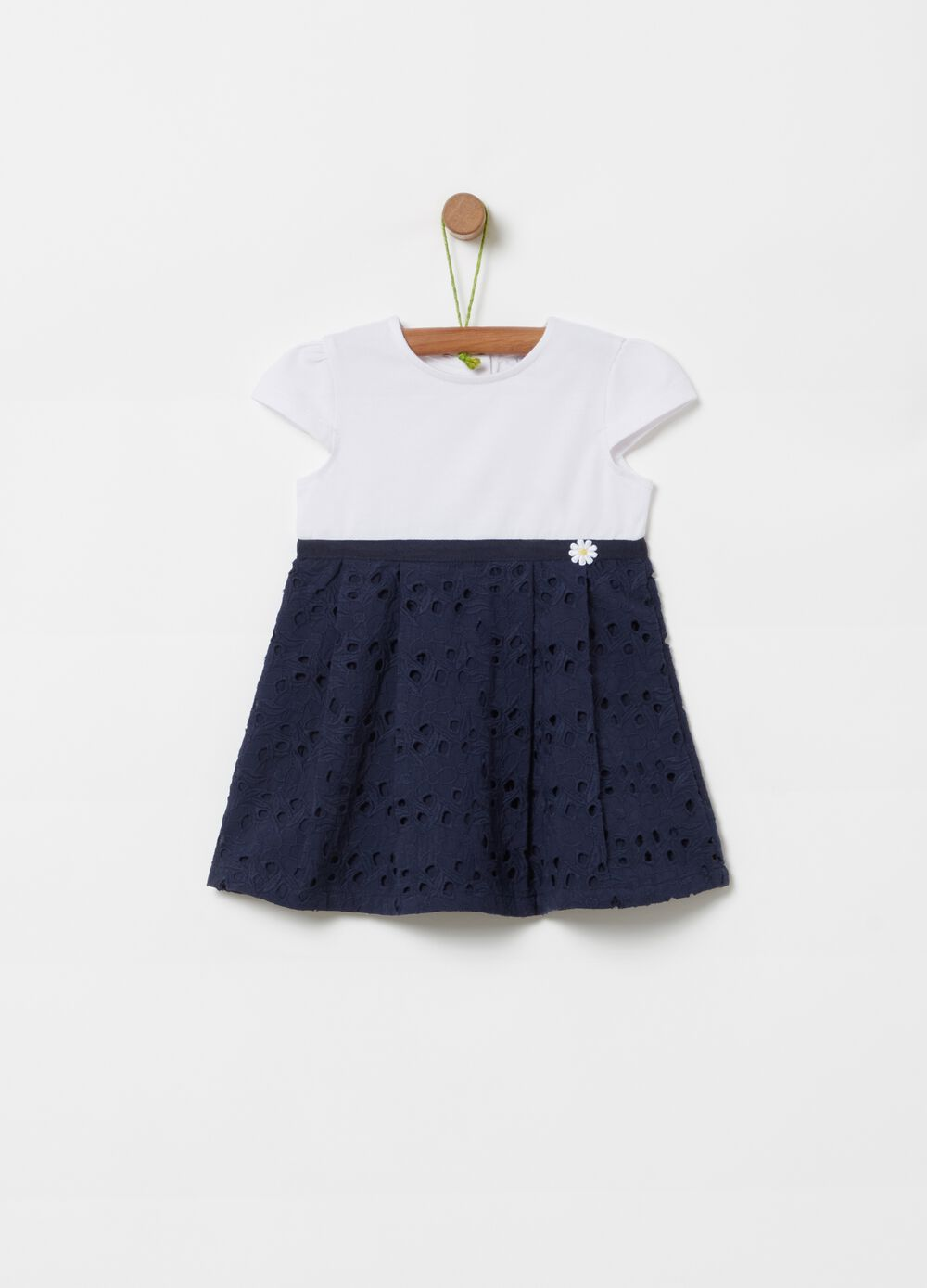 Two-tone dress with daisy