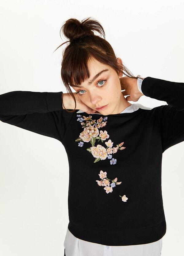 100% cotton sweatshirt with embroidery and beads