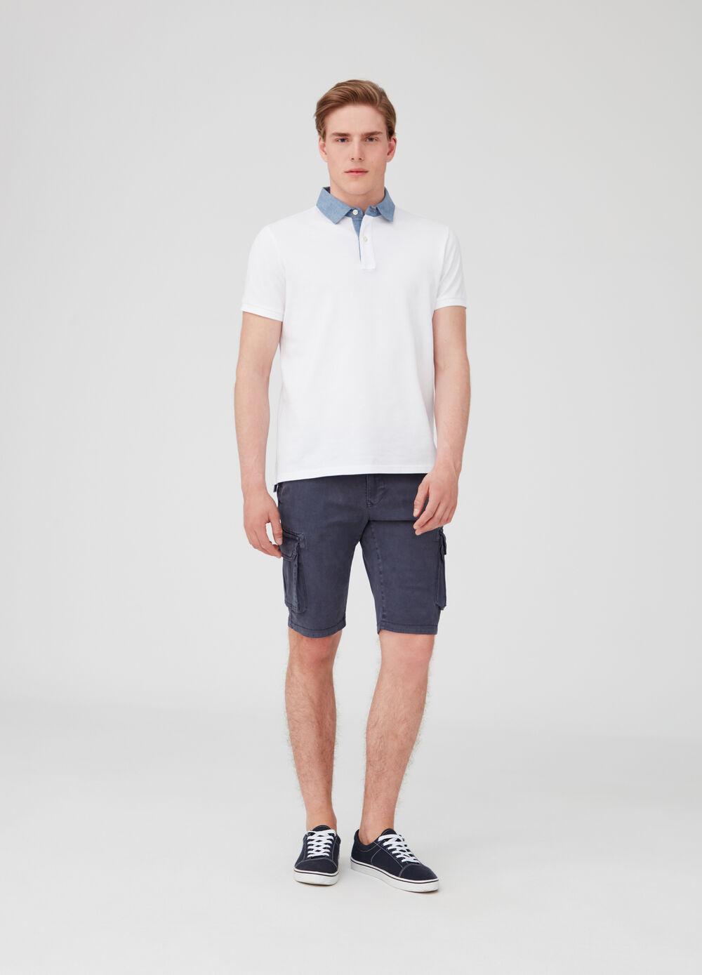 Stretch Bermuda shorts with large pockets and pockets