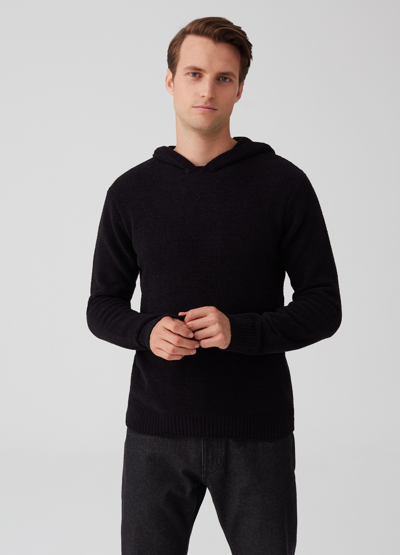 Solid colour pullover with hood image number null