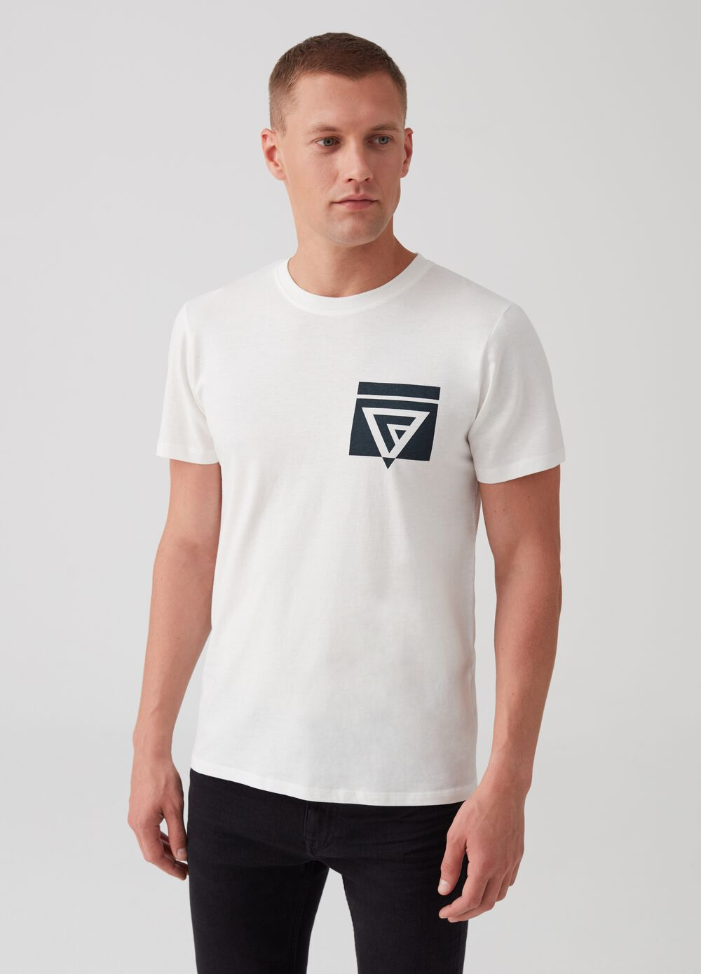 100% cotton T-shirt with geometric print