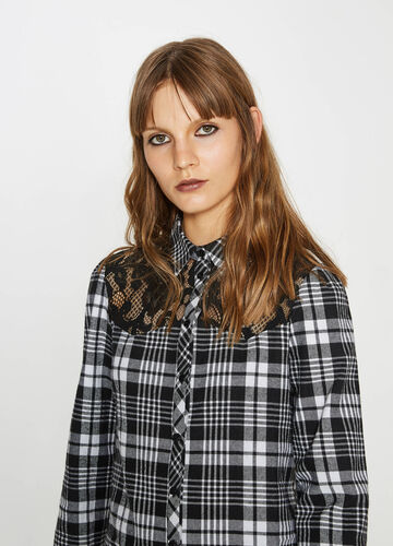 Shirt with lace and tartan pattern