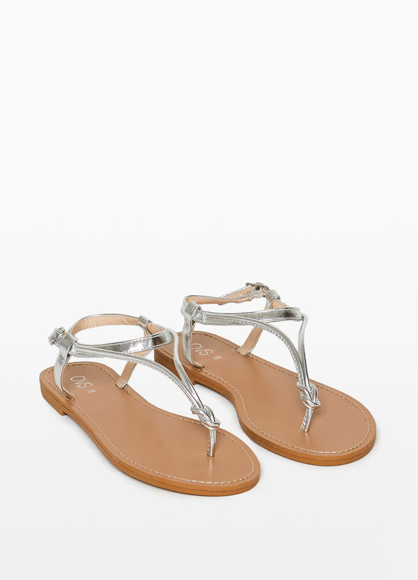 Thong sandals with back buckle