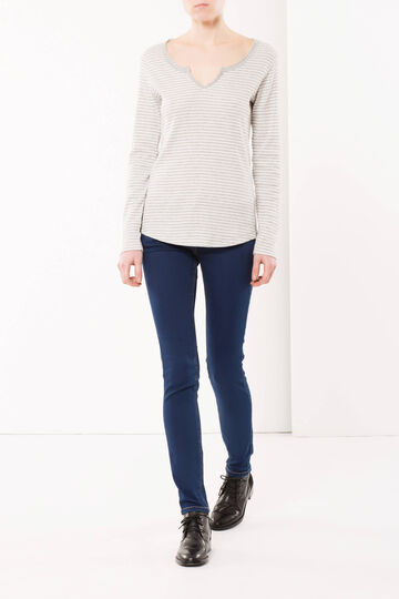 Skinny fit, washed-effect and frayed jeans