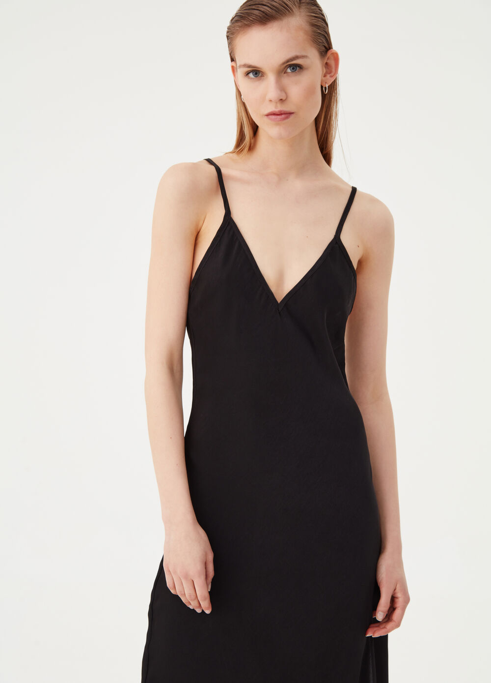 Dress with V-neck and spaghetti straps