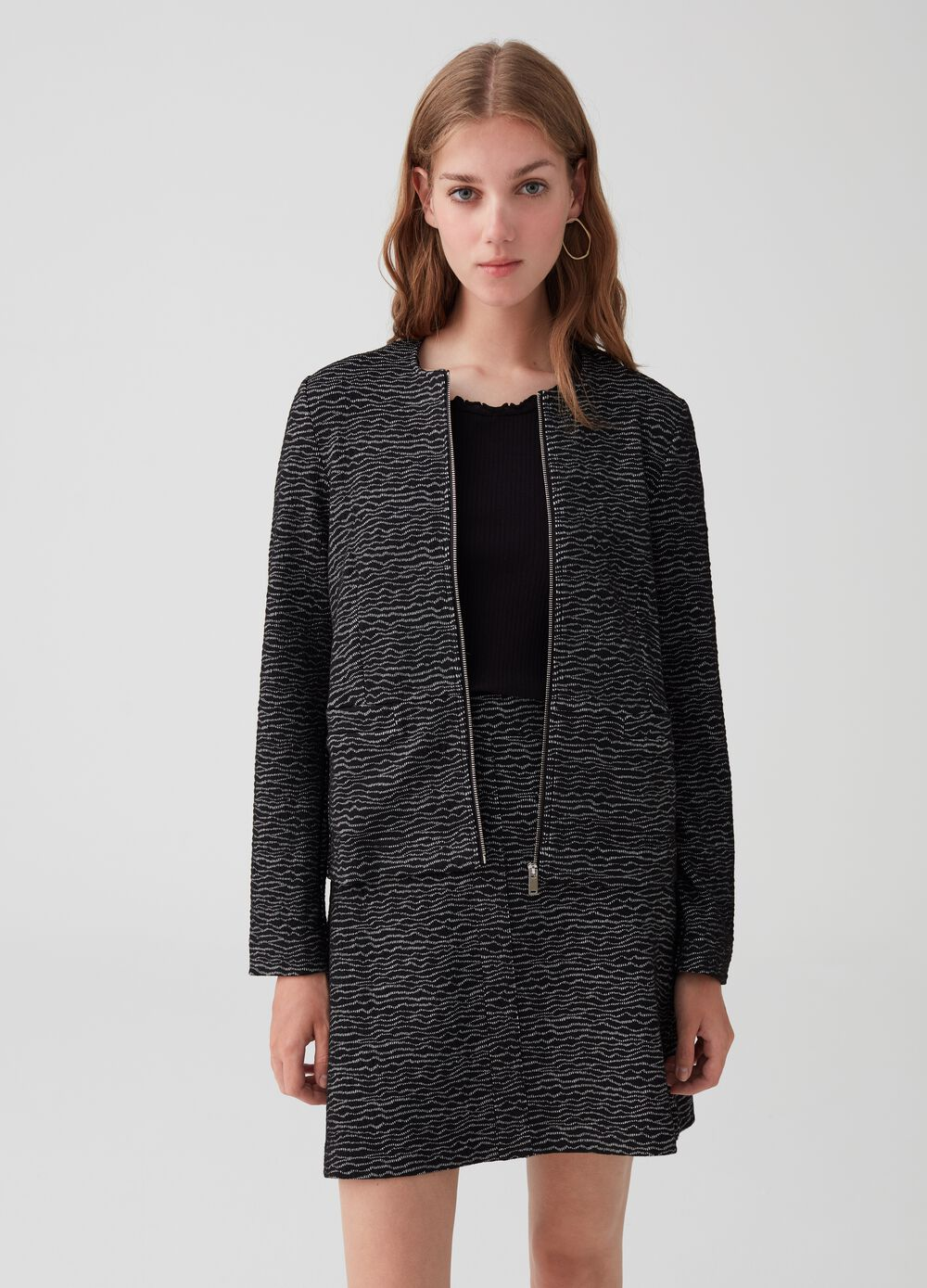 Long-sleeved stretch blazer with zip