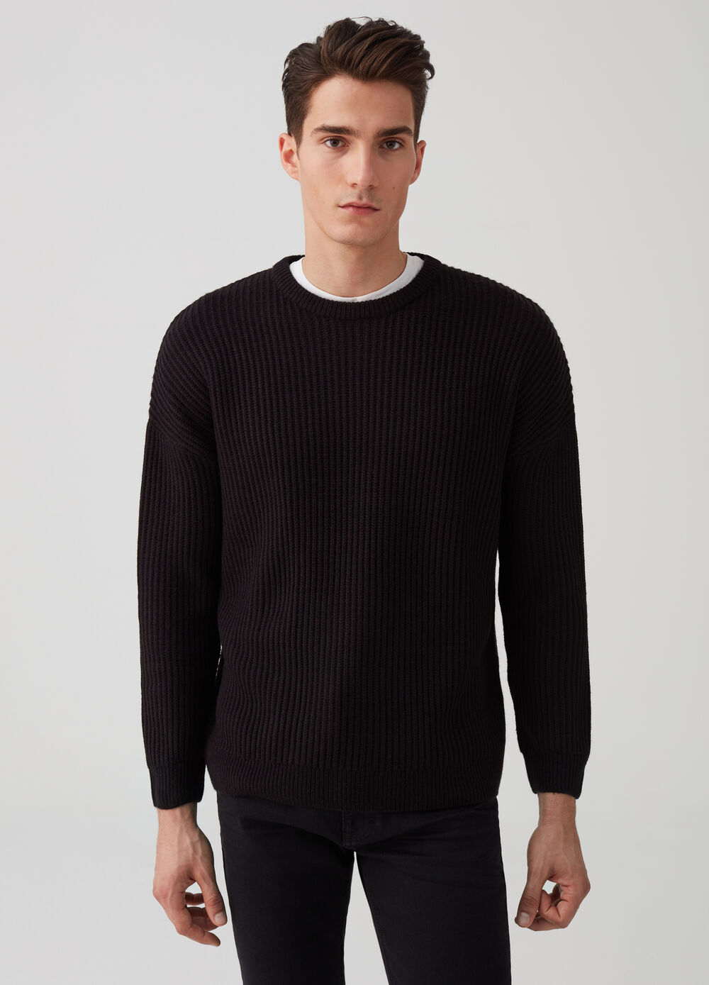 Knit pullover with ribbed weave