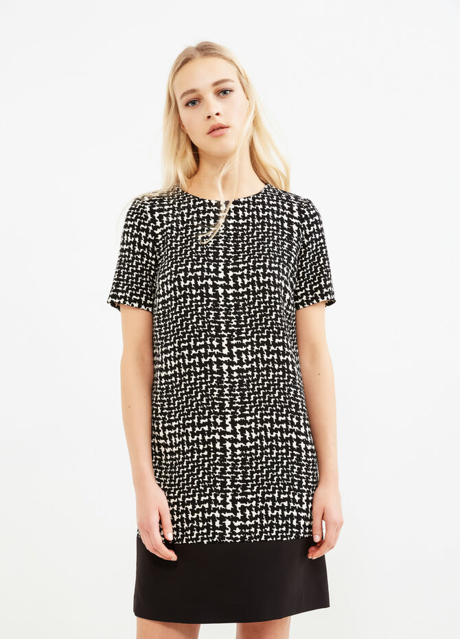 Patterned stretch dress with short sleeves