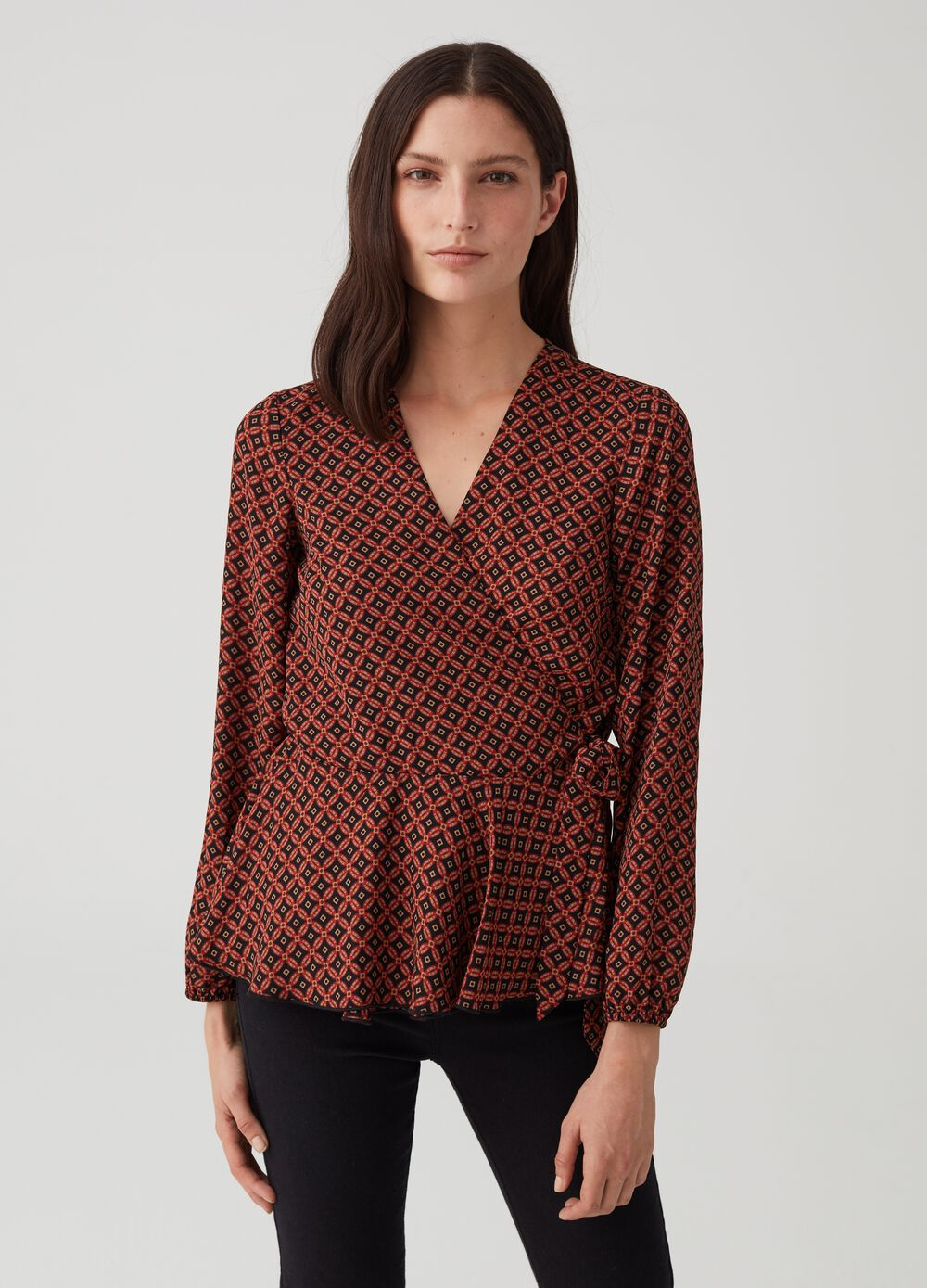 Crossover blouse with laces and print