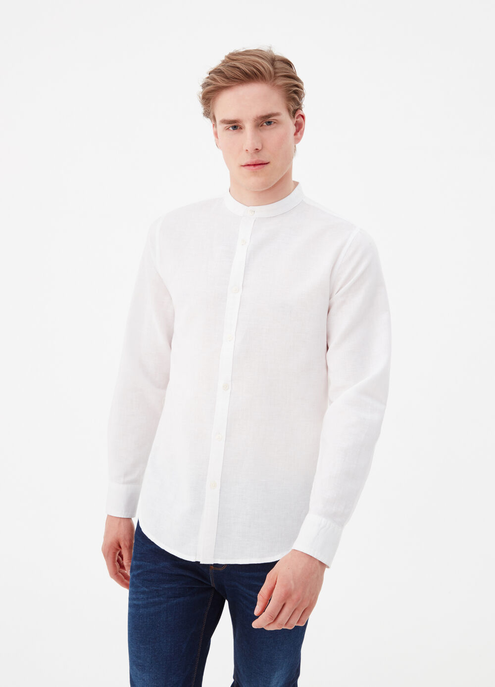 T-shirt with mandarin collar and pockets