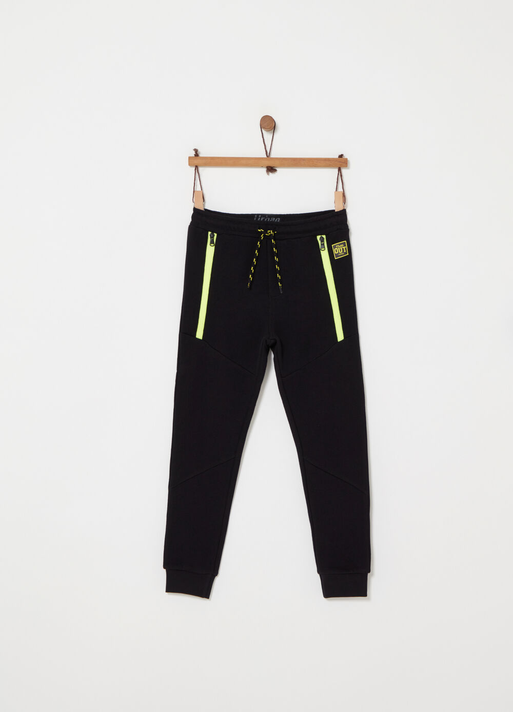 Regular-fit trousers with pockets and zip