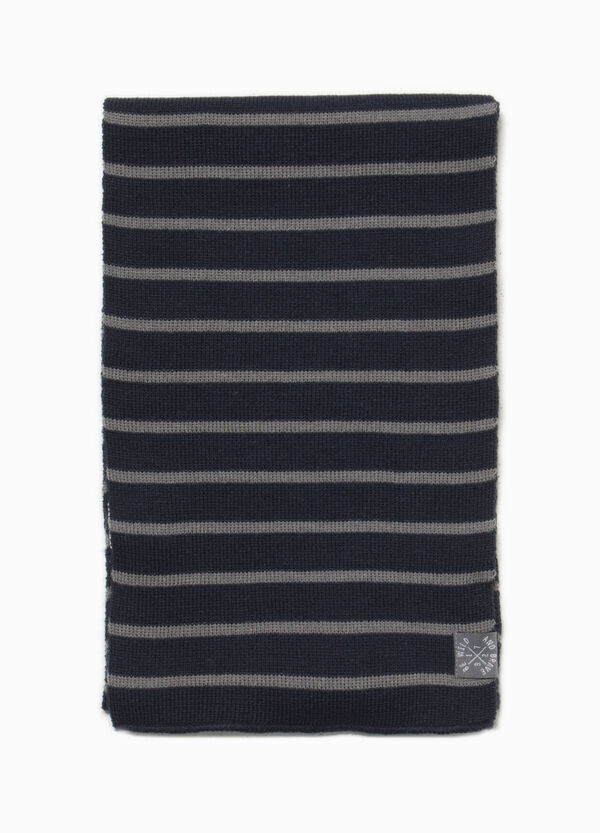 Knitted striped scarf with patch | OVS
