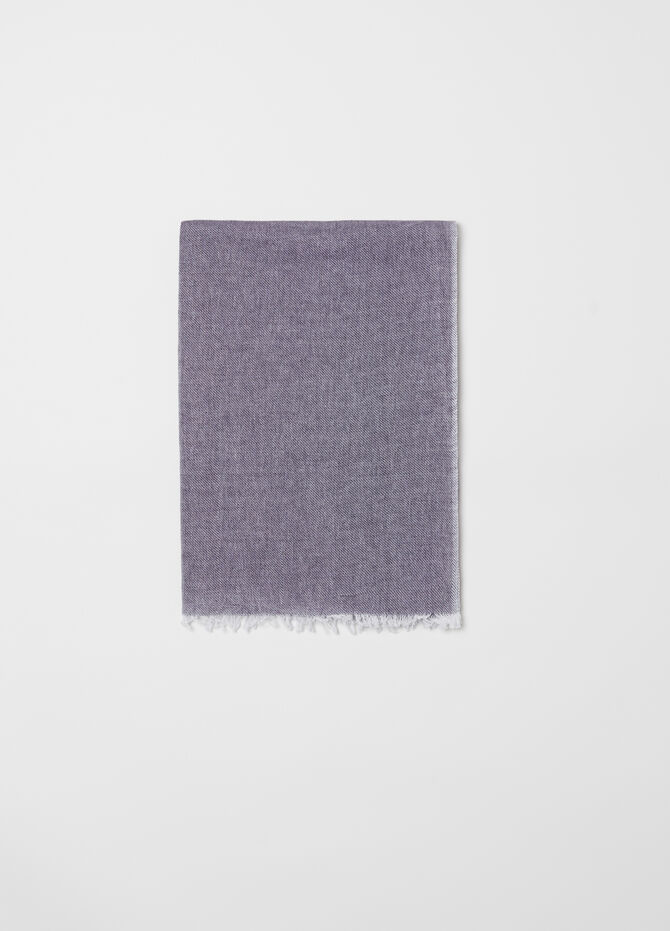 100% cotton scarf with fringed hem