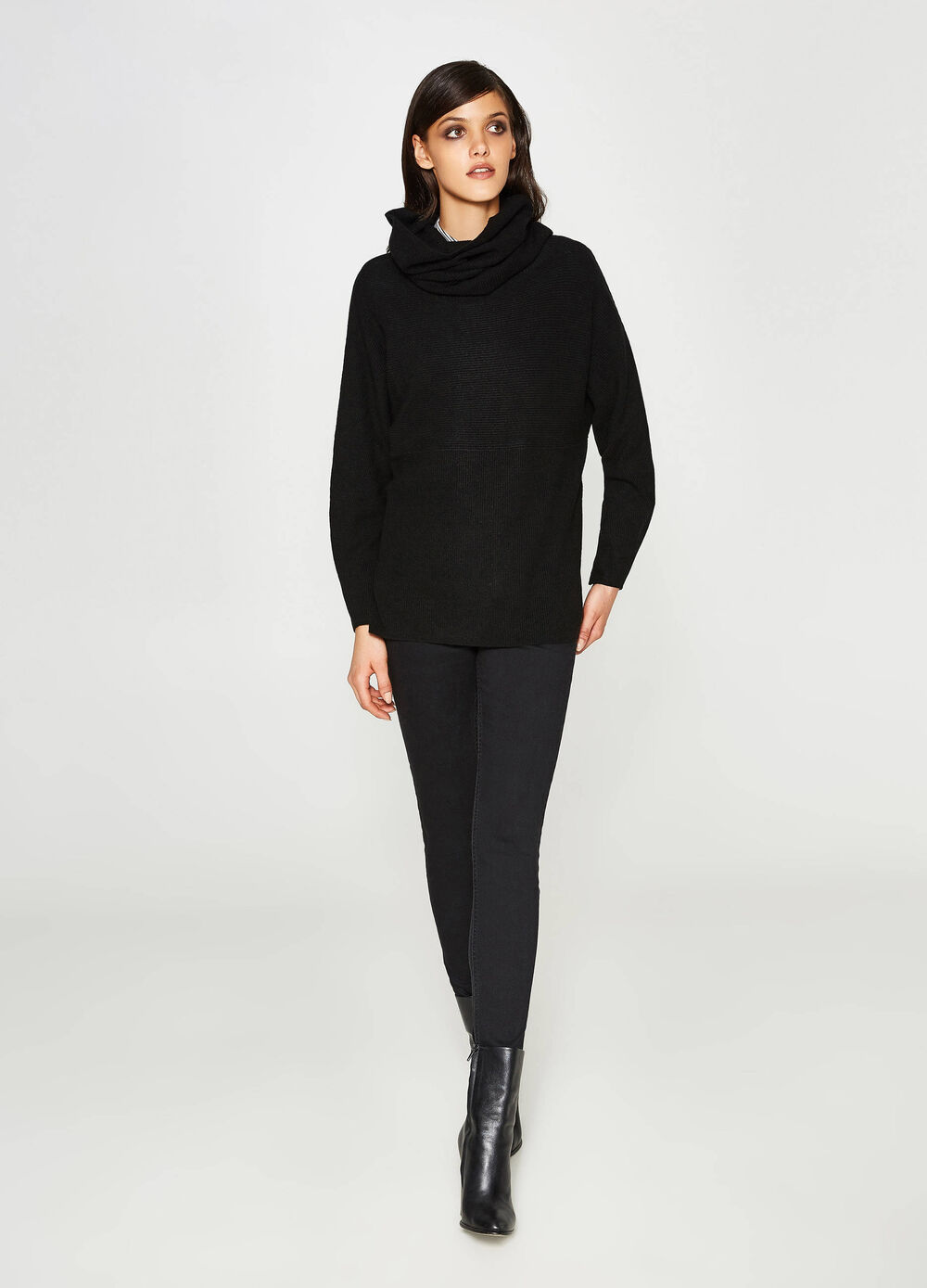 Wool and viscose batwing pullover