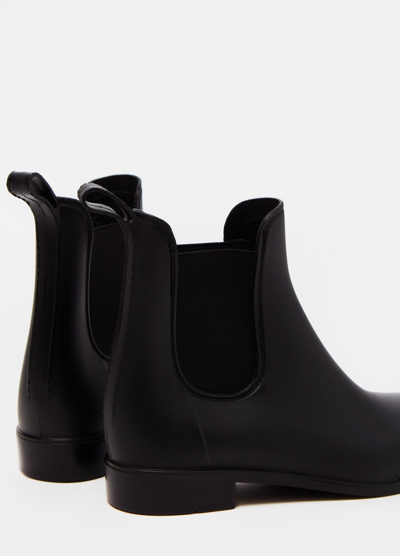 Solid colour rain boots image number null