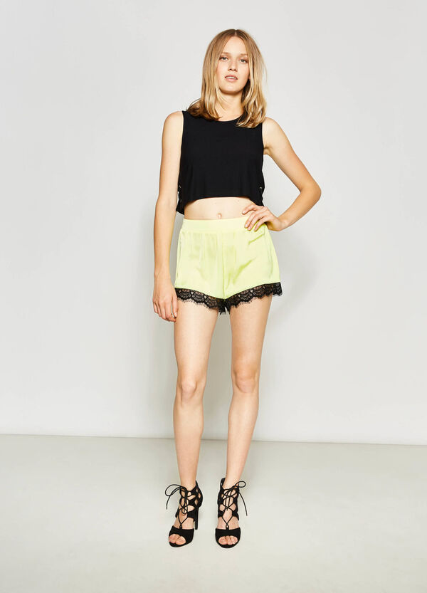 Shorts with lace on the hem | OVS