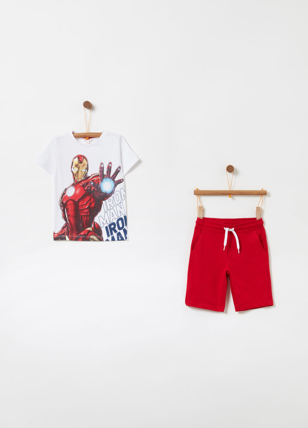 Marvel Avengers jogging set with T-shirt and shorts