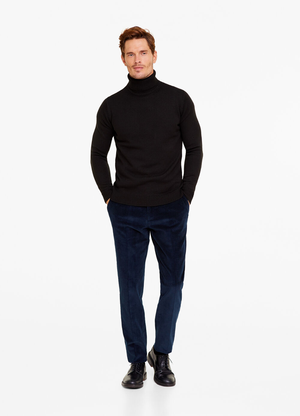 Solid colour pullover with high neck