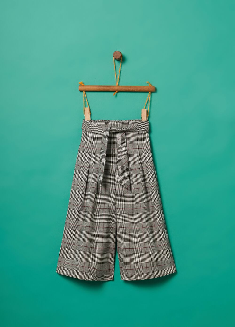 Crop trousers with check pattern