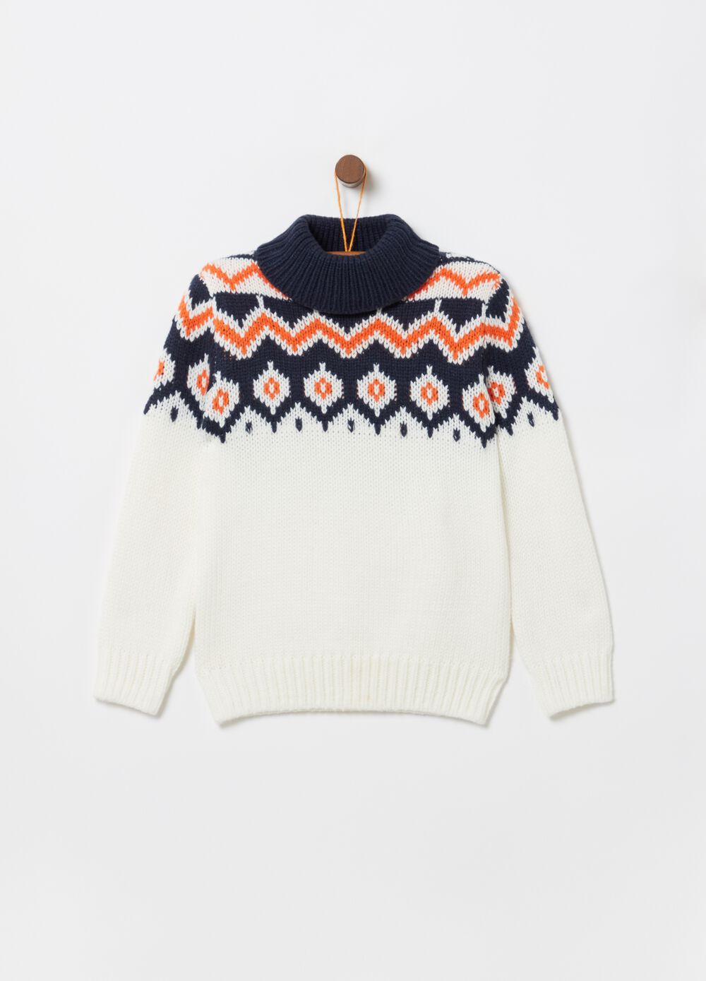 Knitted top with soft high neck and pattern