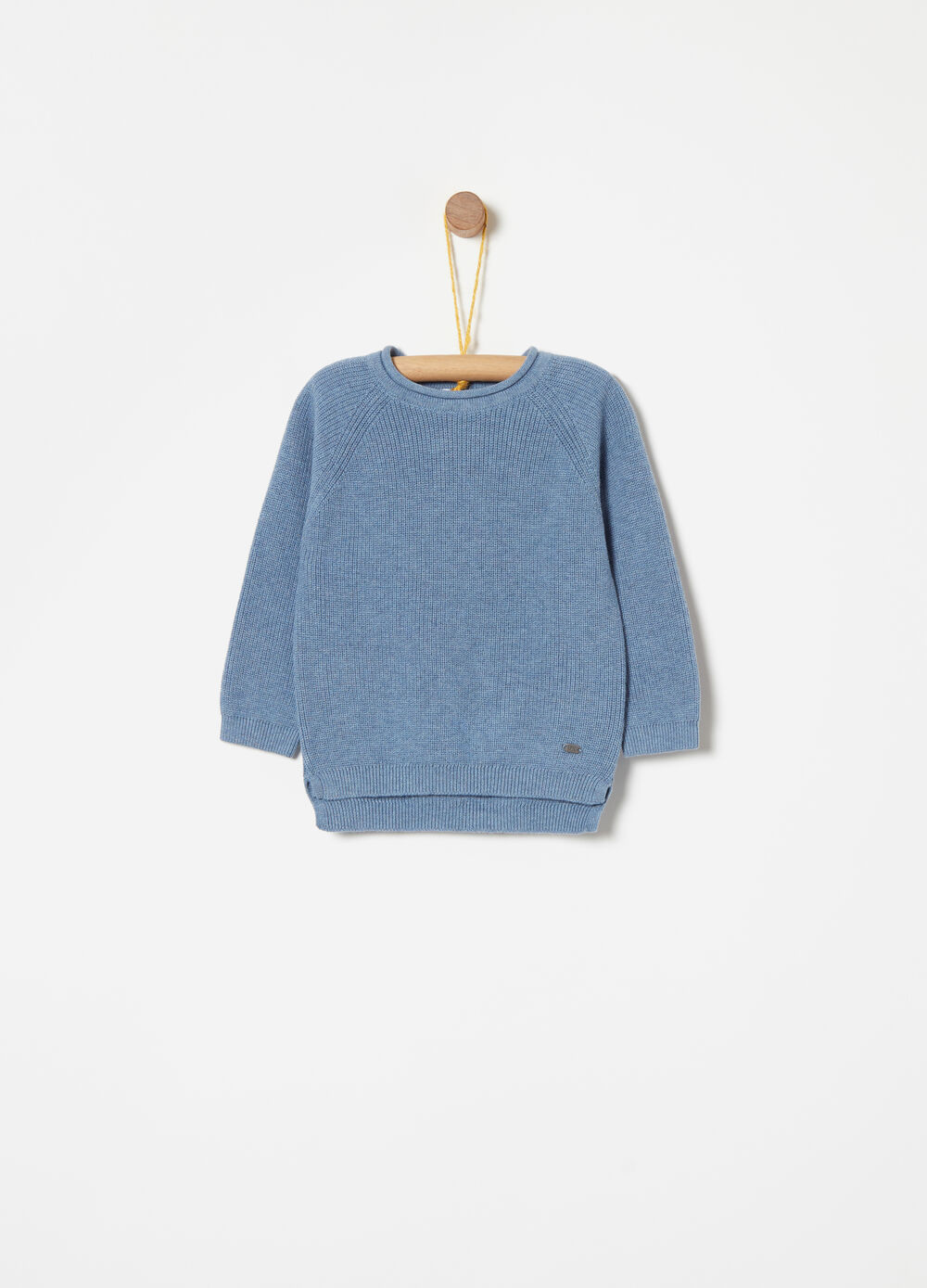 Knitted round neck pullover in 100% cotton