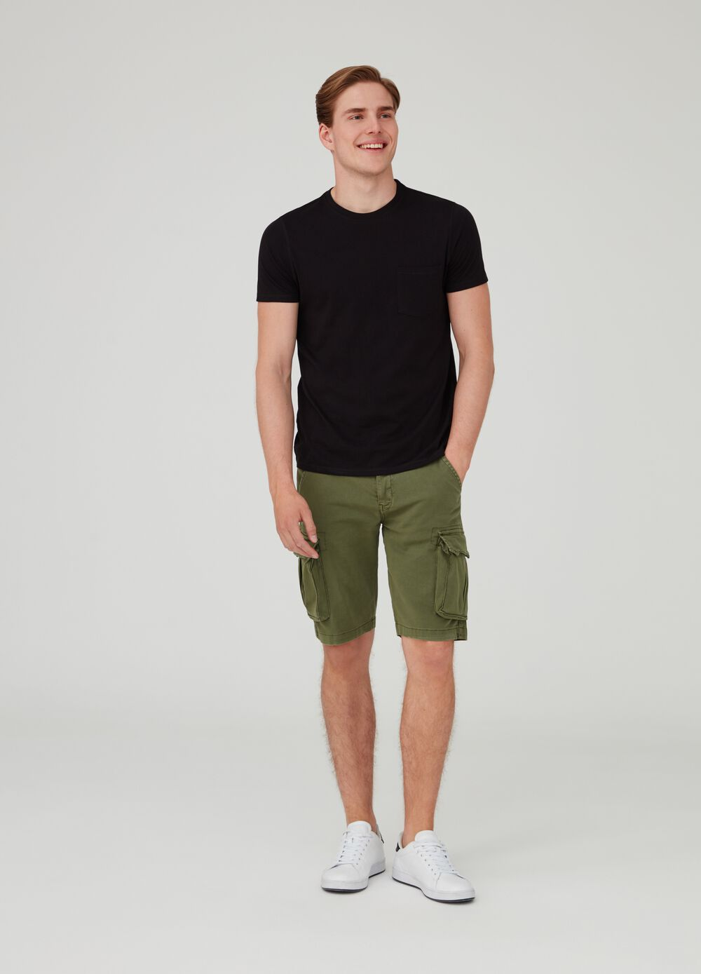 Shorts chinos cargo regular fit elásticos