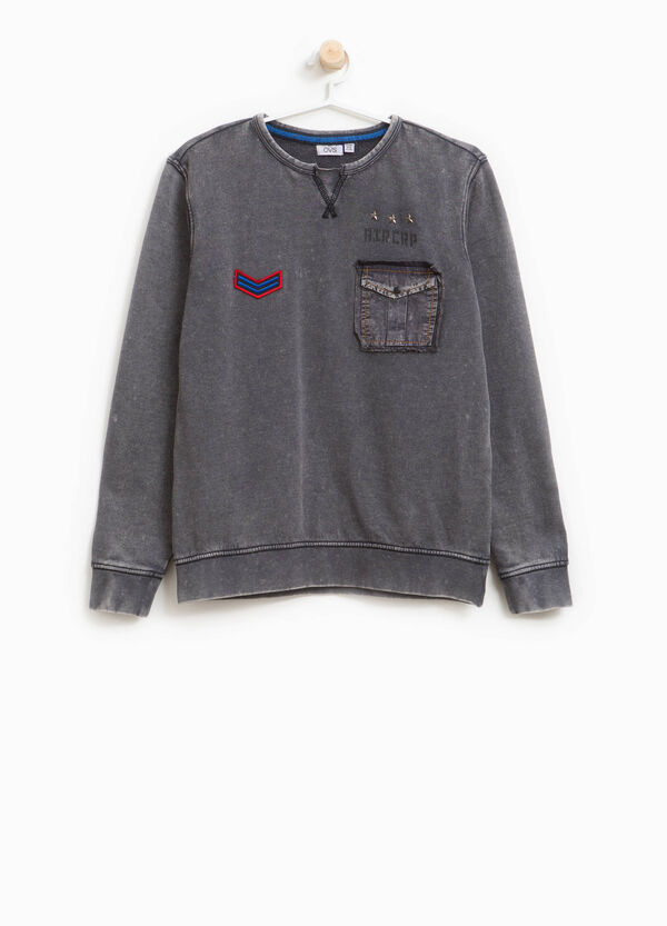 100% cotton mis-dyed sweatshirt with pocket