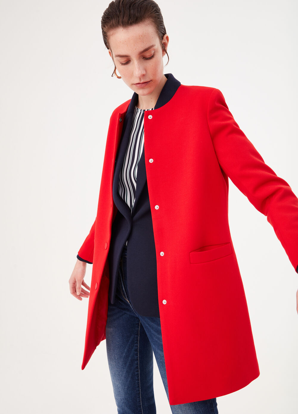 Solid colour stretch viscose coat