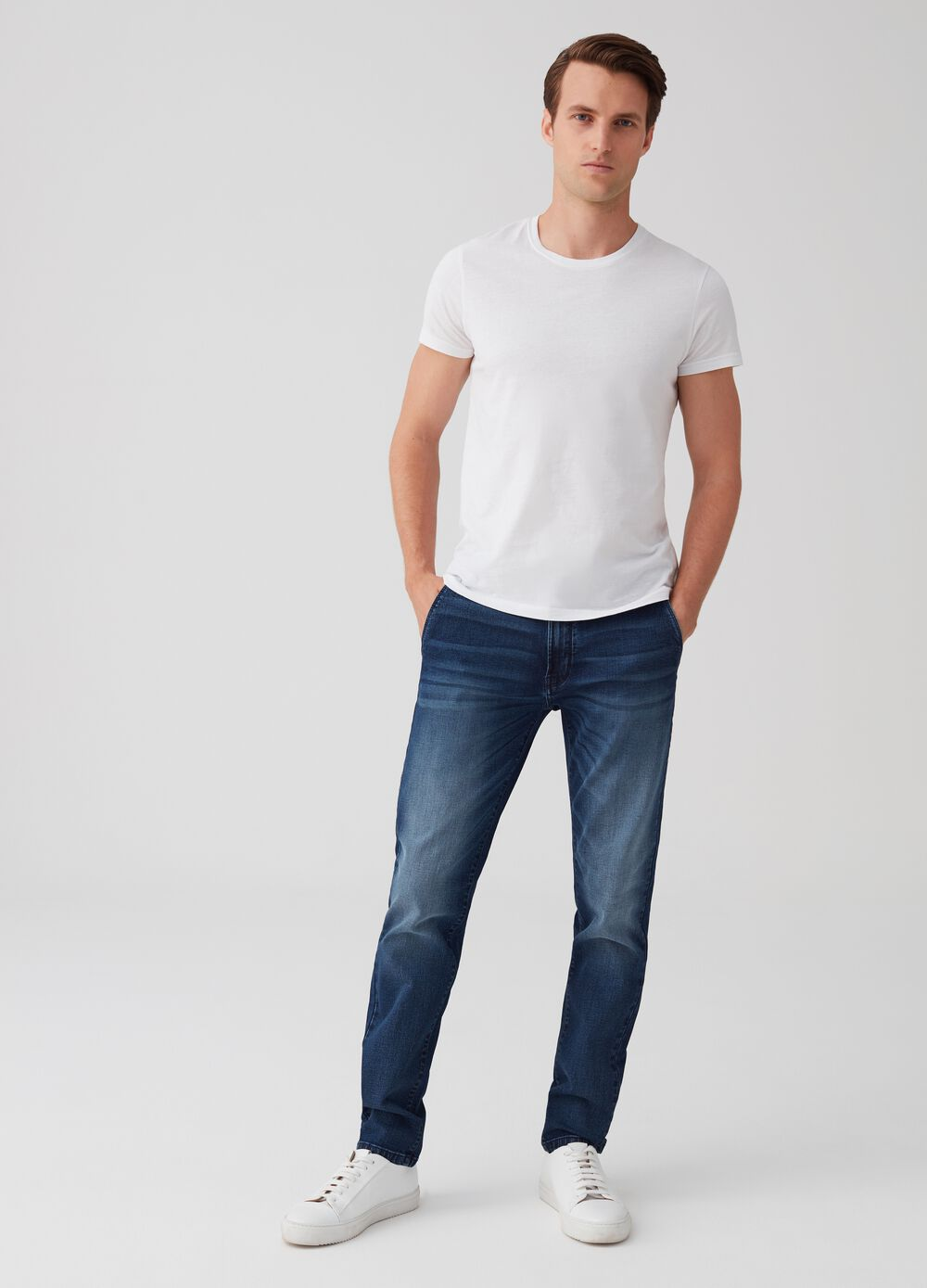 Stretch slim-fit chino jeans