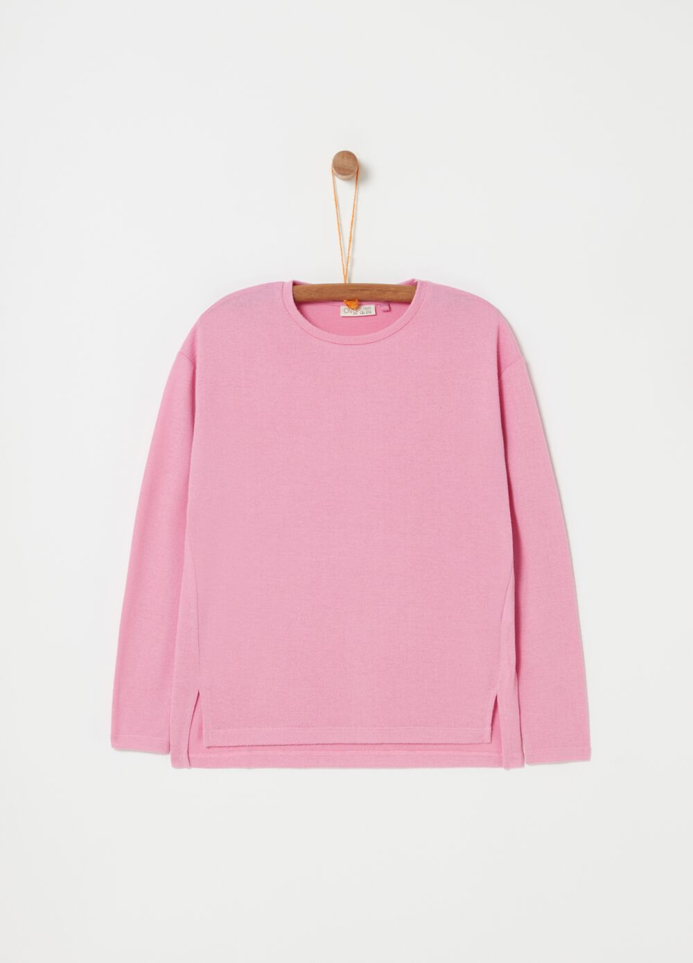 Long-sleeved top with round neck