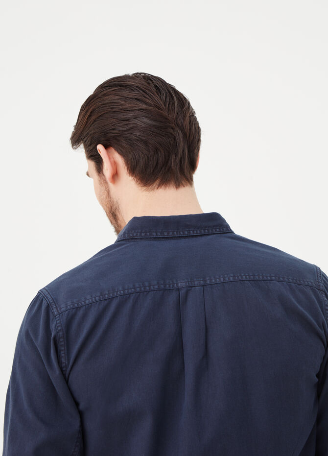 Slim-fit shirt in 100% cotton twill