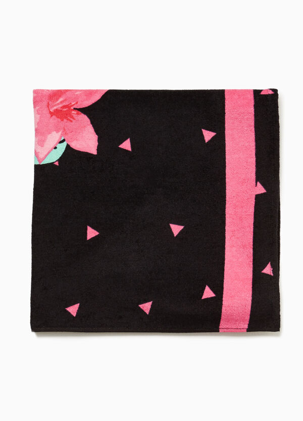 Cotton beach towel with flower and triangle pattern