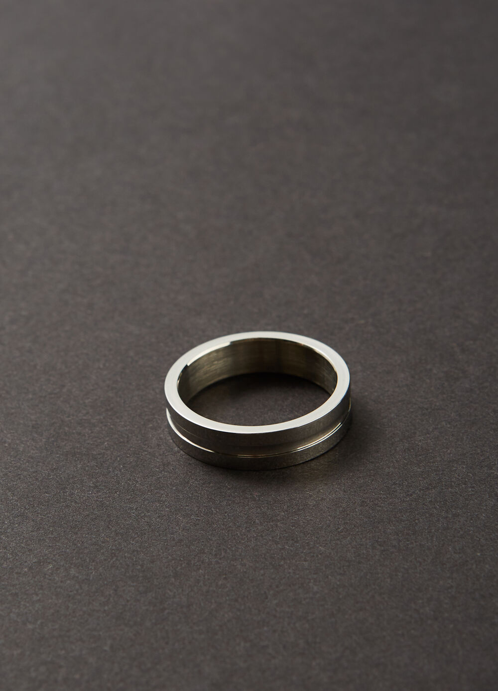 Band ring in steel
