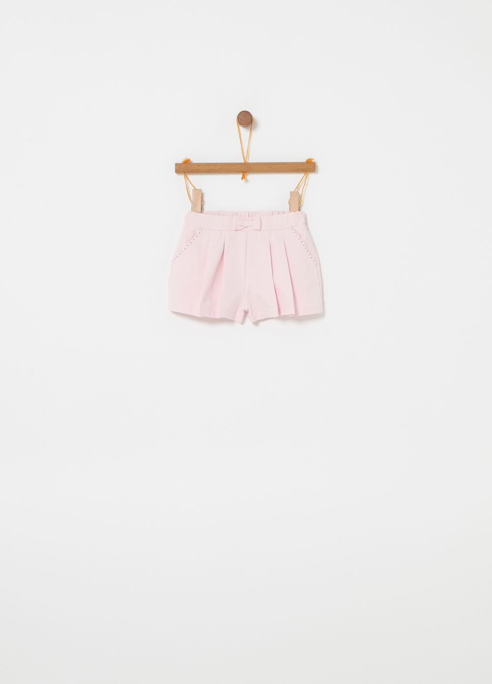 Shorts with bow and pockets with diamantés