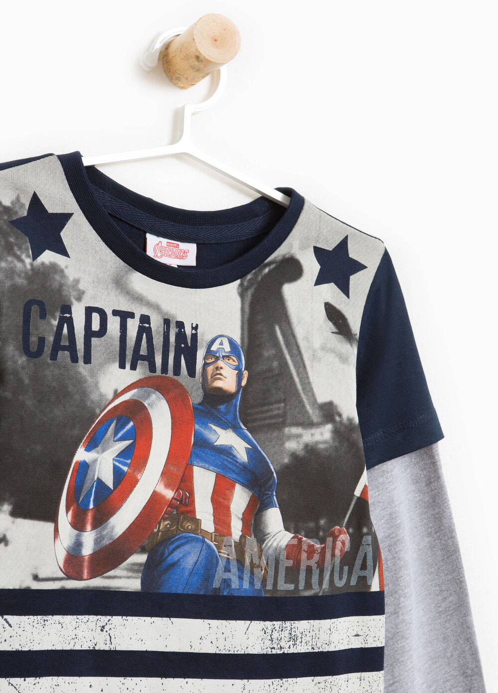 T-shirt with maxi Captain America print
